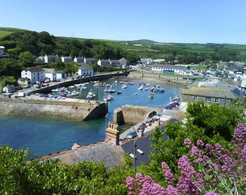 Porthleven Harbour & Portfolio